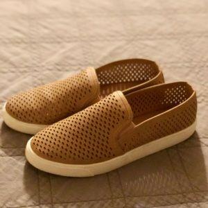 SODA Tan Sneakers 👟